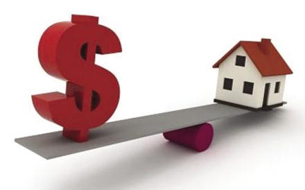 vay mua nhà hay tiết kiệm