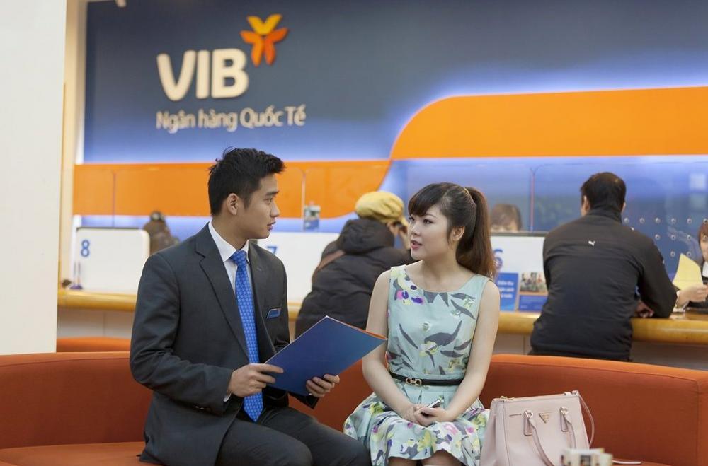 khách hàng mua nhà tại VIB được tư vấn tận tình, chu đáo