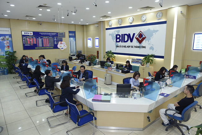 Khách hàng vay tín chấp tại ngân hàng BIDV