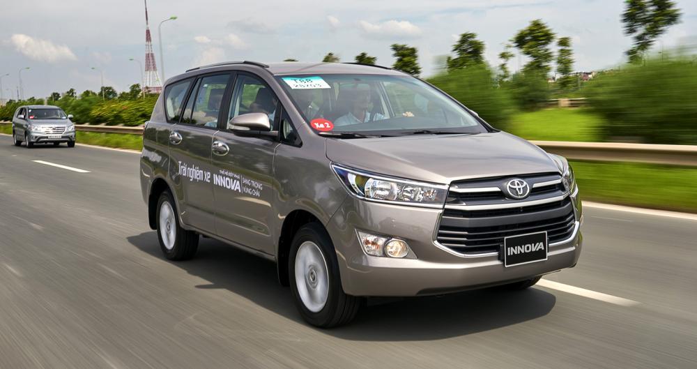 Hình ảnh xe ô tô Toyota Innova