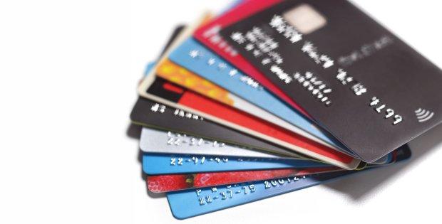 Thẻ ghi nợ -ảnh minh họa