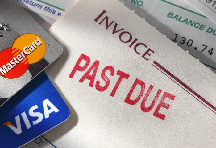 Thanh toán trễ dư nợ thẻ tín dụng