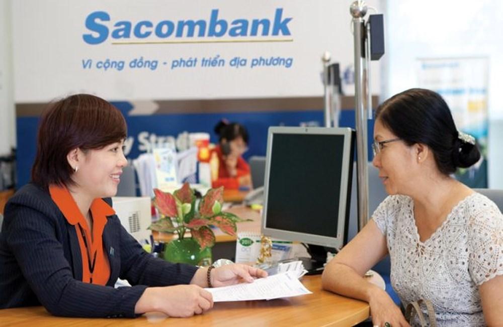 Khách hàng vay tín chấp ngân hàng sacombank