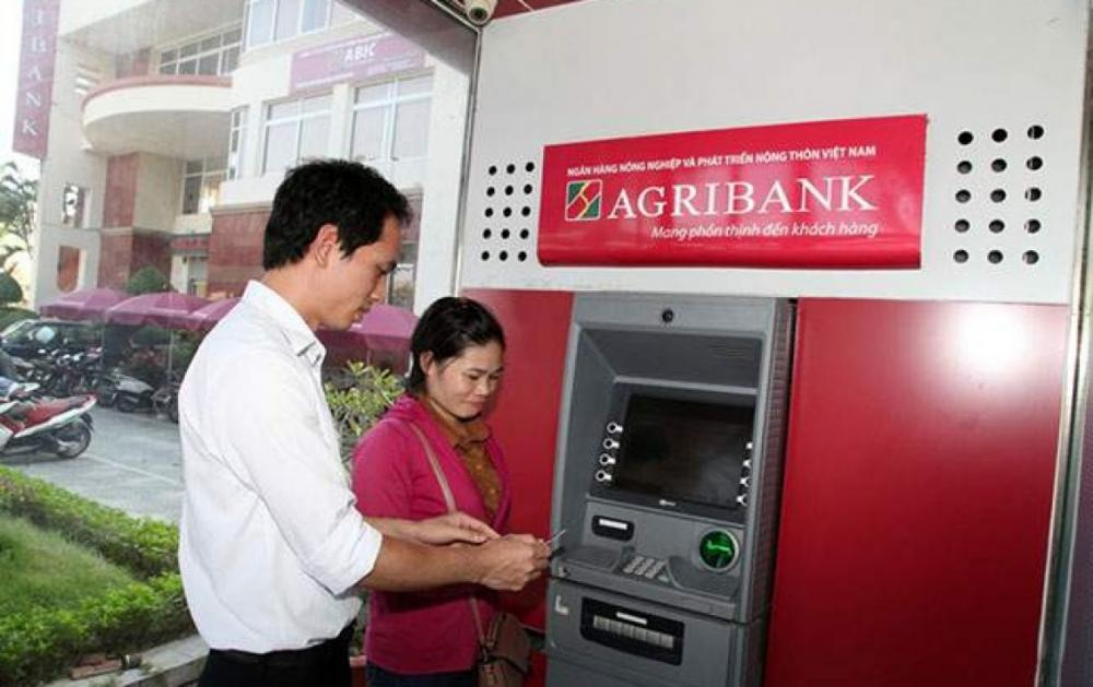 Phí chuyển tiền khác ngân hàng Agribank - ảnh minh họa