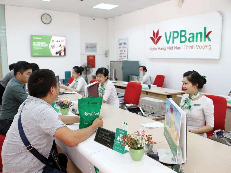 Gửi tiết kiệm nhận lãi trước ngân hàng VP Bank - ảnh minh họa