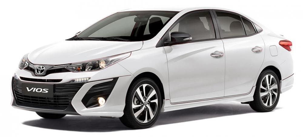 Chọn xe Toyota Vios màu trắng theo mệnh thủy