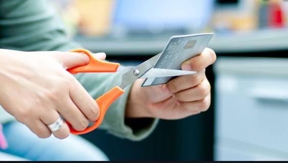 Hủy thẻ tín dụng Fe