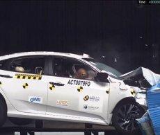 Video Honda Civic 2017 thử nghiệm khả năng an toàn