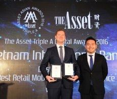 VIB nhận 2 giải thưởng quốc tế về ngân hàng điện tử