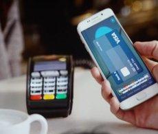 Thanh toán nhanh chóng - 'quẹt' điện thoại trả tiền thay thẻ ATM