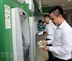 """Gần đến Tết, người dân lại lo """"tắc"""" máy ATM, không rút được tiền"""