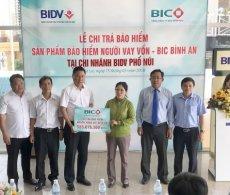 BIC trao hơn 555 triệu tiền bảo hiểm cho người vay vốn tại Gia Lai