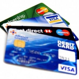 Thẻ tín dụng phụ có tiện ích gì và có nên mở thẻ phụ hay không?