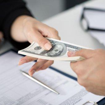 Vay tín chấp theo lương Vietcombank với lãi suất thấp nhất hiện nay