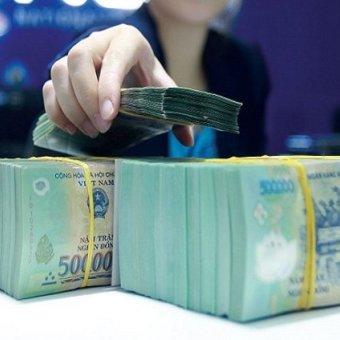 Vì sao các 'ông lớn' ngân hàng lại gấp gáp tăng lãi suất huy động? -  Lý giải từ chuyên gia kinh tế