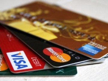 Hỏi và đáp về biểu phí thẻ tín dụng HSBC