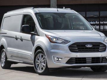 Cập nhật lãi suất vay mua xe ô tô Ford Transit trả góp (2019)
