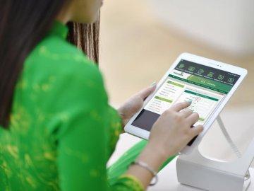 Kiểm tra số dư tài khoản Vietcombank qua mạng bằng cách nào?