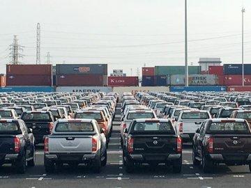 Thuế ôtô 0%, hải quan vẫn vượt đích thu ngân sách nhờ xăng dầu