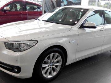 Giải đáp thắc mắc: Có nên mua xe ô tô BMW 528i trả góp không?