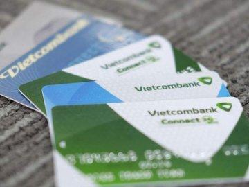 Phí thường niên thẻ tín dụng Vietcombank hiện nay là bao nhiêu?