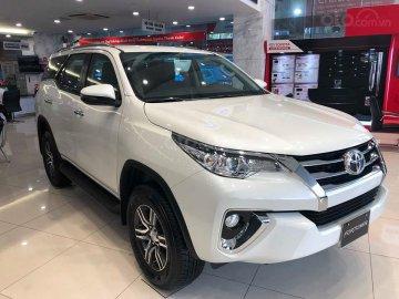 Rớt hạng xe bán chạy, Toyota Fortuner giảm giá tại đại lý đẩy doanh số?
