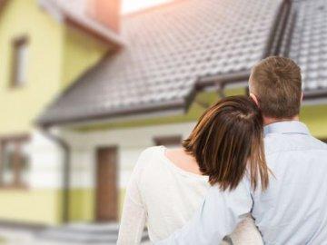 Ở chung nhà với bố mẹ khiến người trẻ giảm cơ hội sở hữu nhà riêng