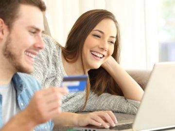 Coi chừng: những động thái này có thể khiến điểm tín dụng của bạn tụt hạng