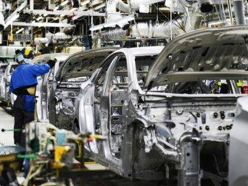 Đề xuất giảm 50% phí trước bạ cho ô tô lắp ráp trong nước